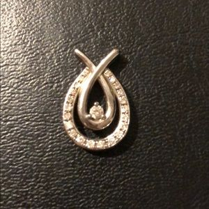 Jewelry - Sterling silver pendant with diamonds